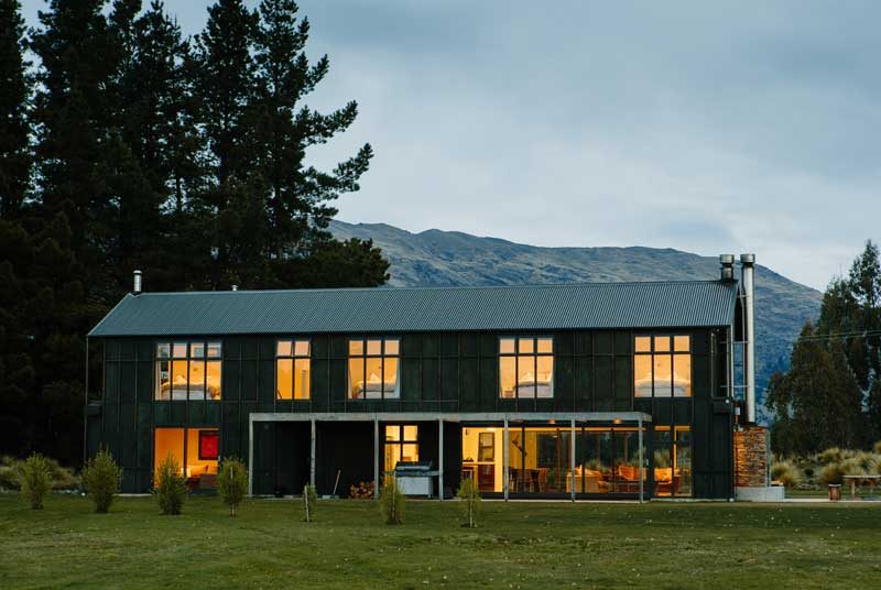 26_the-lodge-at-dusk-800